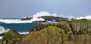 WAVES ON ROCKS 24 FEB